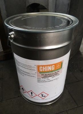 Ching Alvite Color DB 703 matný antracit, 13,5 kg